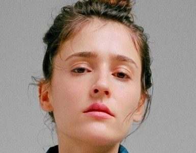 Lola Bessis dating, boyfriend, age, height, wiki, networth