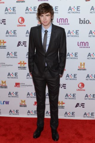Freddie Highmore Bio, Girlfriend, Affairs, Age, Height, Ethnicity, Income, Siblings