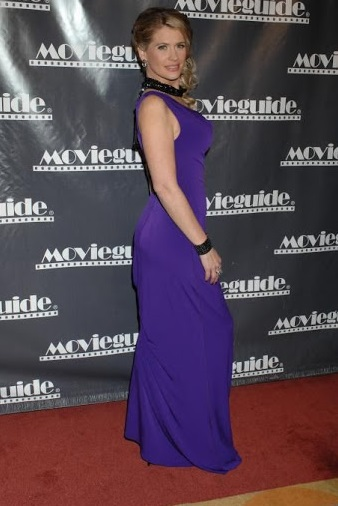 Kristy Swanson Wiki, Bio, Age, Husband, Rumors, Nominations and Twitter