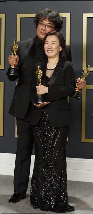 Bong Joon-ho Wiki, Bio, Age, Spouse, Oscars 2020, Parasite and Networth