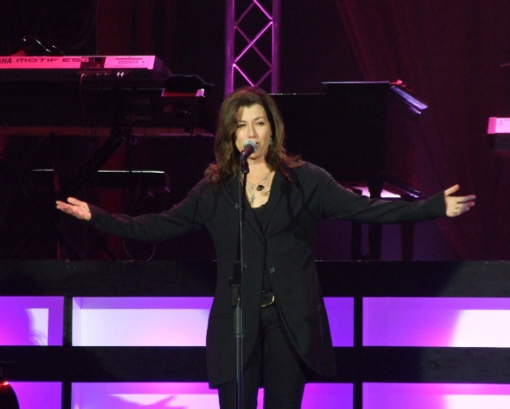 Amy Grant Wiki, Bio, Age, Husband, Children, Songs, Event and Facebook